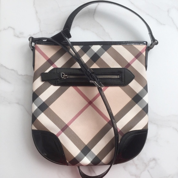 e6ab72f906f Burberry Handbags - Burberry Nova Check Dryden crossbody Bag